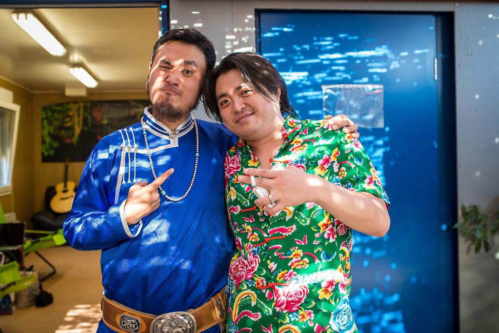 Day 2 Backstage: Gangzi (Tulegur) and  Wu Zekun (2nd Hand Rose)
