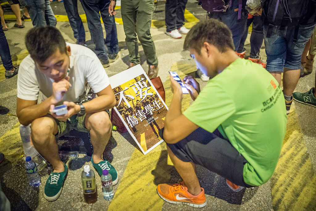 Mobile phones and social networks were an important part of the Occupy Central movement
