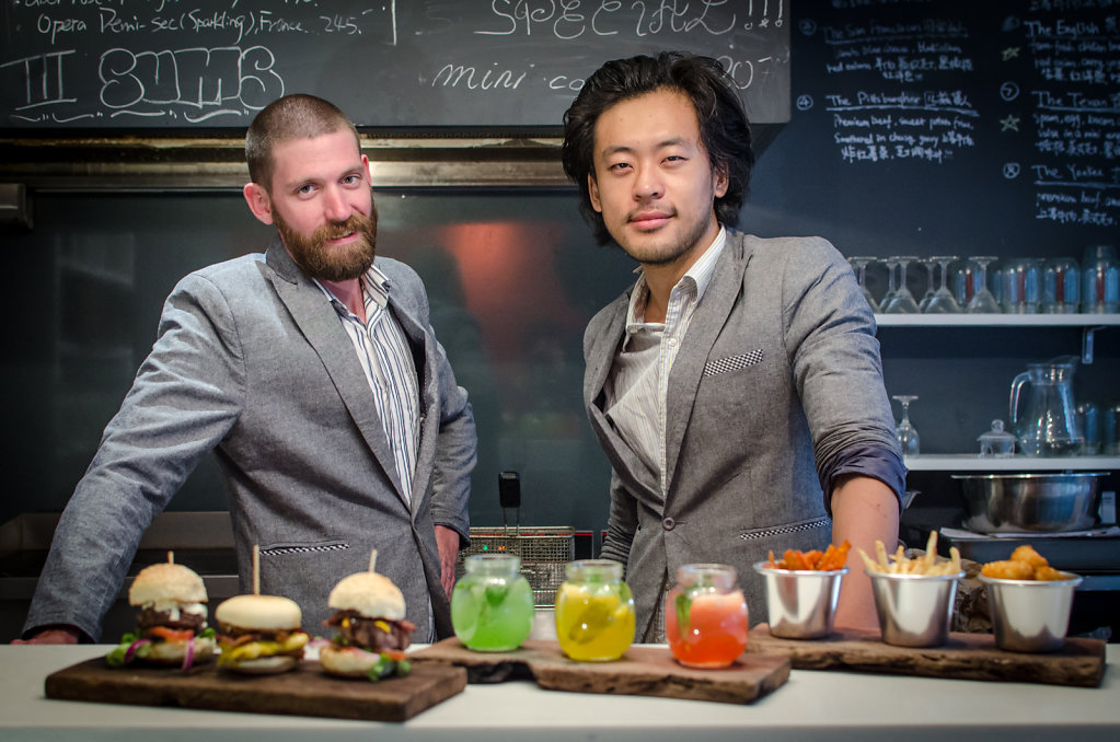 Restaurant Owners of 3S Burgers