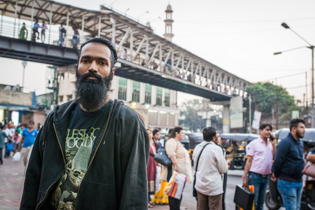 Sushan Shetty (Cosmic Infusion) in the streets of Mumbai.